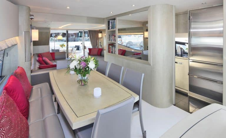 luxury-yacht-raoul-palma-de-mallorca-salon